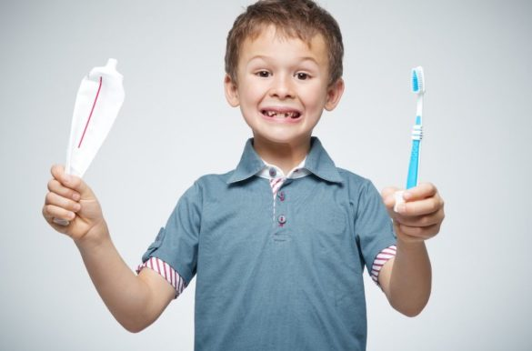Mistakes you do while brushing teeth